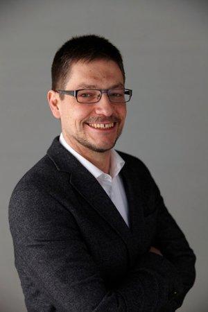 Dr. Raphael Fechler